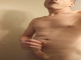 Мужик сам сделал массаж члена и получил оргазм от этого процесса в порно видео