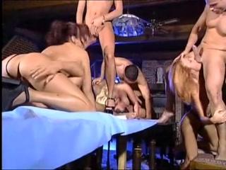 Групповое порно с красивыми зрелыми дам